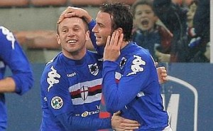 Sampdoria's Antonio Cassano (L) and team-mate Giampaolo Pazzini celebrate after scoring against Inter Milan during their Italian Cup football match at Luigi Ferraris stadium in Genova on March 4, 2009. AFP PHOTO / FABIO MUZZI